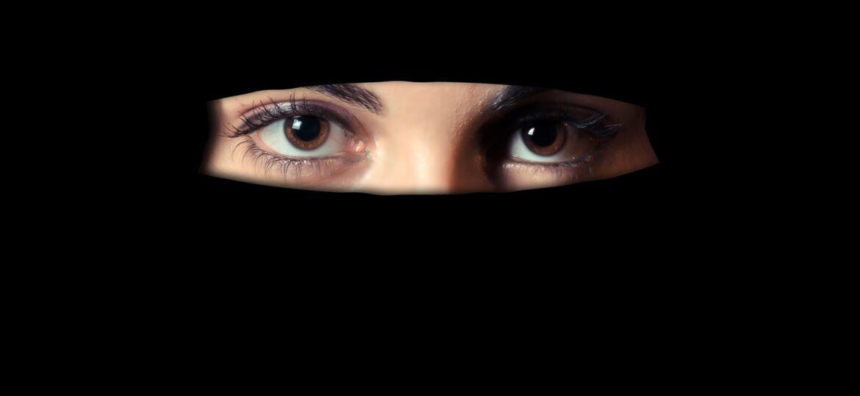 Free image/jpeg Resolution: 5180x2519, File size: 366Kb, Niqab on a woman